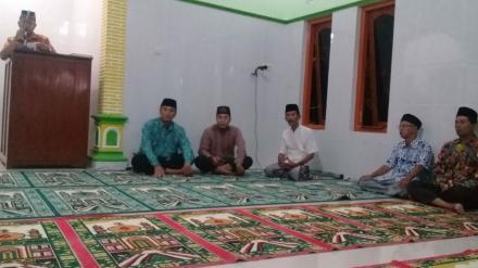 Camat Hingga Lurah Desa Hadiri Safari Tarawih di Masjid Al Ridho Selobentar