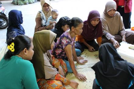 Pelatihan Pembibitan Sayuran Kangkung dan Pakcoy RT 114 Dusun Cagunan