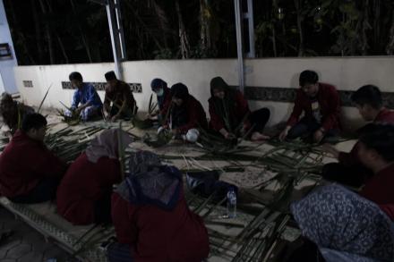 Malam Takbiran Bersama Kampung  Mayongan Galakkan Upaya Pengurangan Plastik