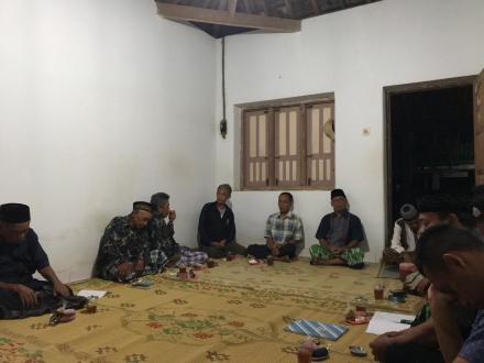 Rapat Rutin RT 115 Dusun Cagunan