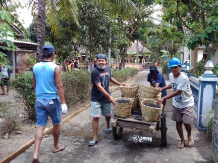 Pembangunan Cor Jalan RT 71 dan 72 Gunungsaren Kidul