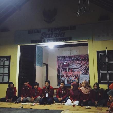 Pengenalan Diri dan Pemaparan Program Kerja Kelompok KKN 018 Kepada Warga Dusun Proketen