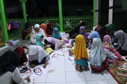 Eratkan silaturahmi dengan seluruh daerah di dukuh nengahan, KKN 80 UMY mengajar TPA di Masjid Gaswa