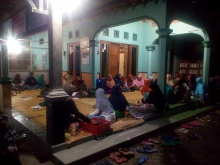 PLKB Kecamatan Srandakan Hadiri Pertemuan Rutir Bina Keluarga Remaja (BKR)