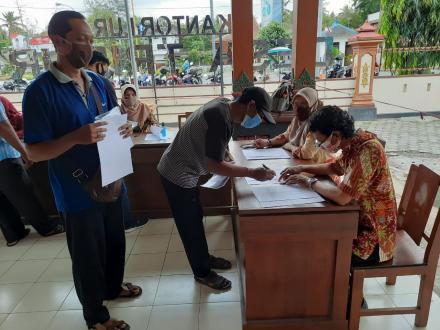 Pembagian Bansos APBD Tahap III Desa Trimurti