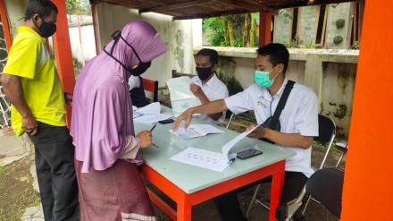 Bupati Bantul Tinjau Penyaluran BST Tahap 10 di Kalurahan Trimurti