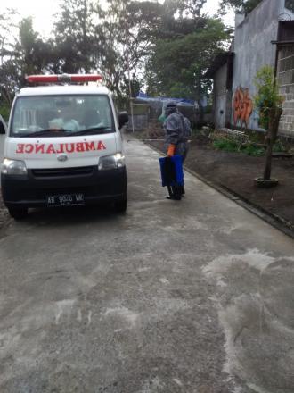Dekontaminasi Mobil Ambulan