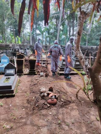 Pemakaman Jenazah Positif Covid 19 di Kalurahan Trimurti