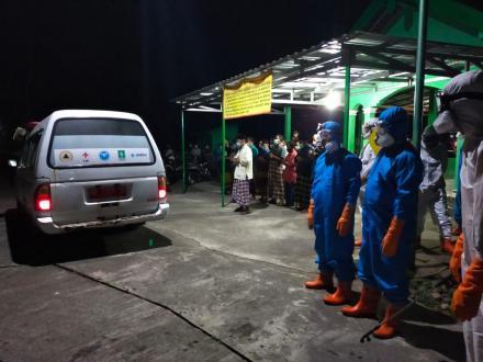 Pemakaman Jenazah Terkonfirmasi Covid 19 Oleh FPRB Trimurti