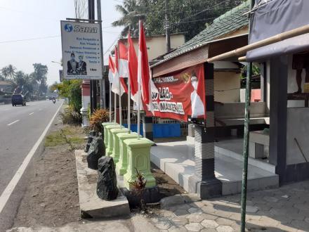 Jelang HUT RI Ke – 76 Warga Dusun Sapuangin Percantik Lingkungan
