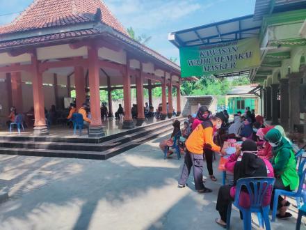 Pelaksanaan Vaksin Dosis ke 2 Untuk Lansia Dusun Mangiran dan Cagunan