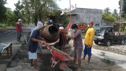 Gotong Royong Relawan FPRB Trimurti